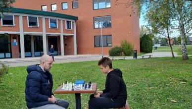 Svečano otvorenje igre na šahovskom stolu